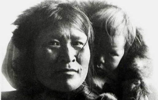 inuit mom